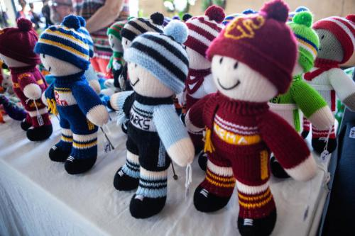 wool footy players-1280x960